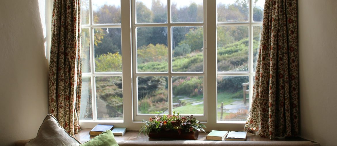 10 Things to Consider When Buying Curtains for Your Bedroom, Zazzy Home