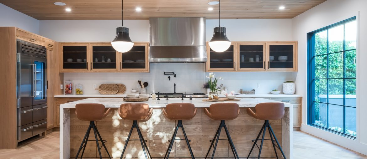 The Beginners Guide To Redecorating A Kitchen, Zazzy Home