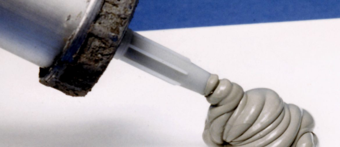 Tips on the best way to use caulk, Zazzy Home