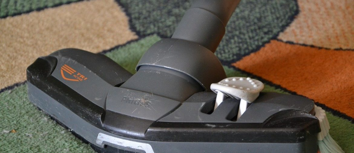 The Pros and Cons of Owning a Cordless Vacuum Cleaner, Zazzy Home