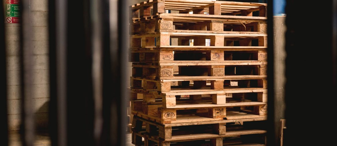How to make a trundle bed out of pallets, Zazzy Home