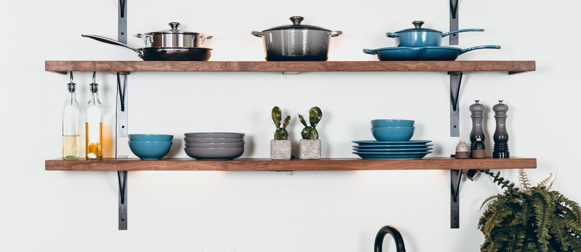Simple ideas to decorate kitchen shelves, Zazzy Home