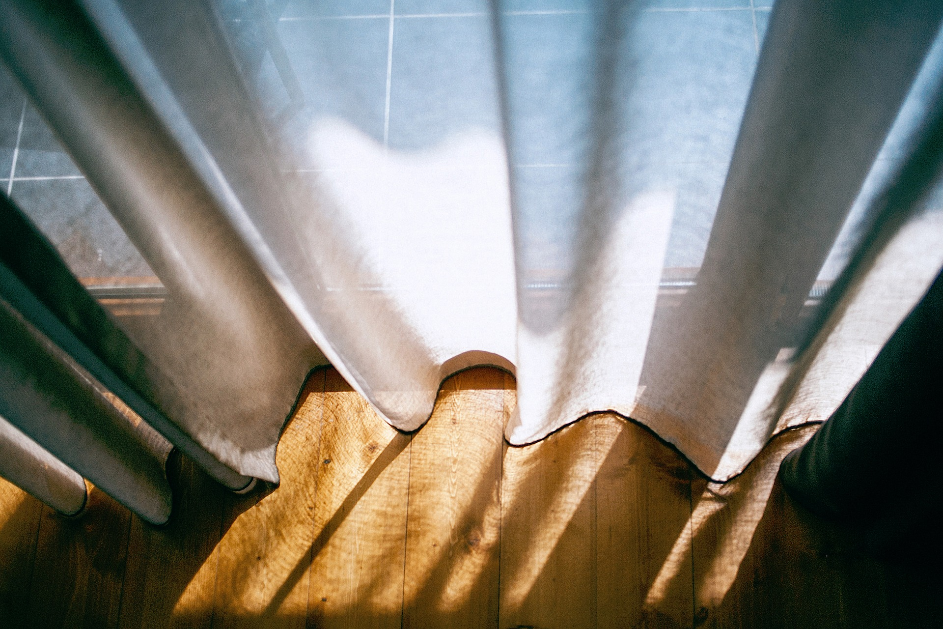 How long do living room curtains need to be?, Zazzy Home