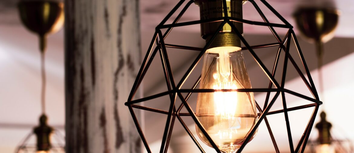 How to upcycle a lamp, Zazzy Home