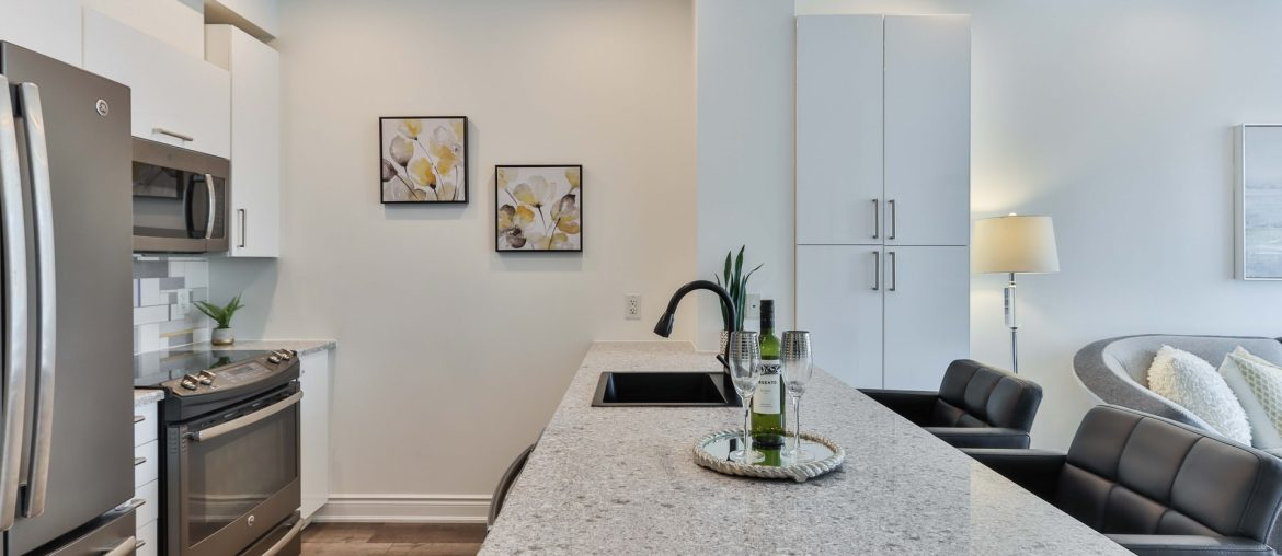 Which kitchen countertops for white cabinets, Zazzy Home